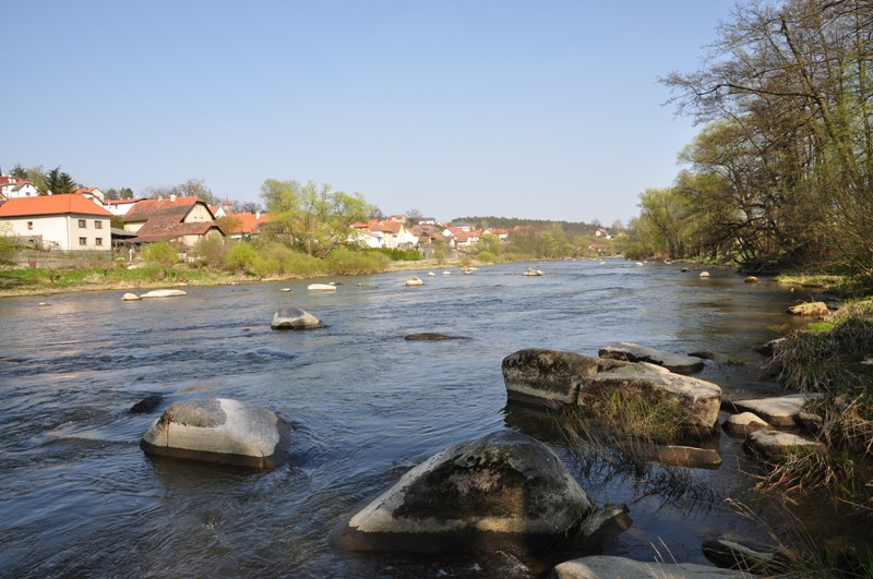 Sázava 2 - balvanitý a proudný úsek mezi dvěma jezy, Autor fota: ČRS