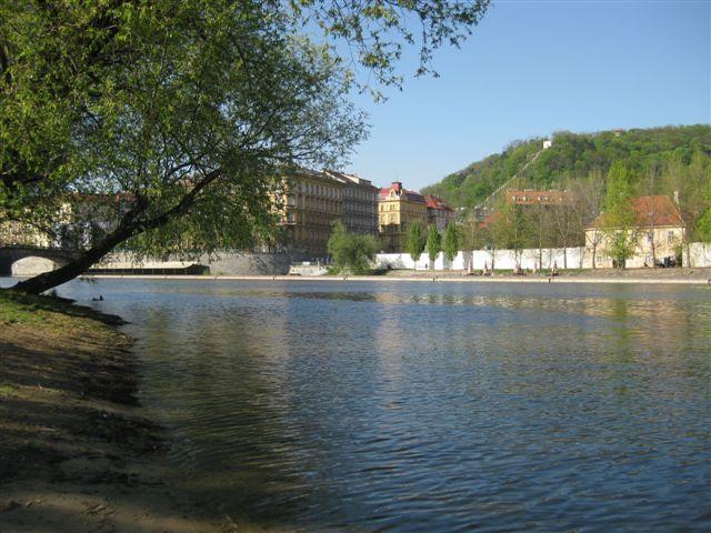 Vltava 5 - pohled ze Střeleckého ostrova, Autor fota: ČRS