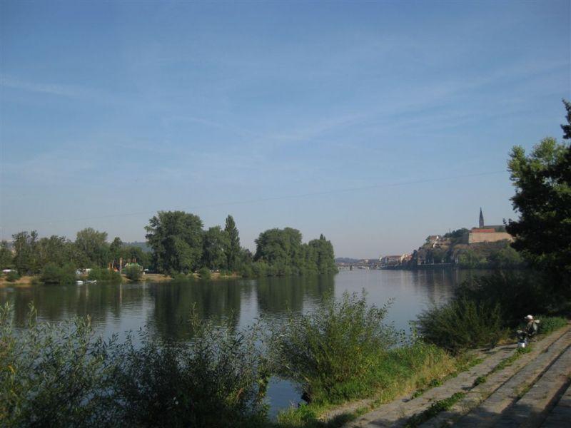 Vltava 6 - řeka u Veslařského ostrova v Podolí, Autor fota: ČRS